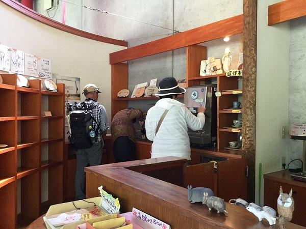 ⑩きらら館内の喫茶コーナー