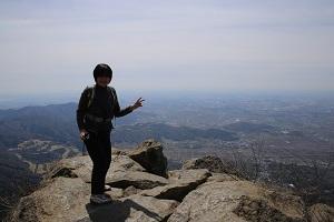 ④女体山頂上,下見の時の○○さん